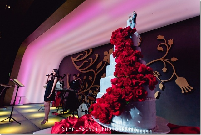 EJ&YW_Empire Hotel_Emperor Ballroom_Wedding Reception_025