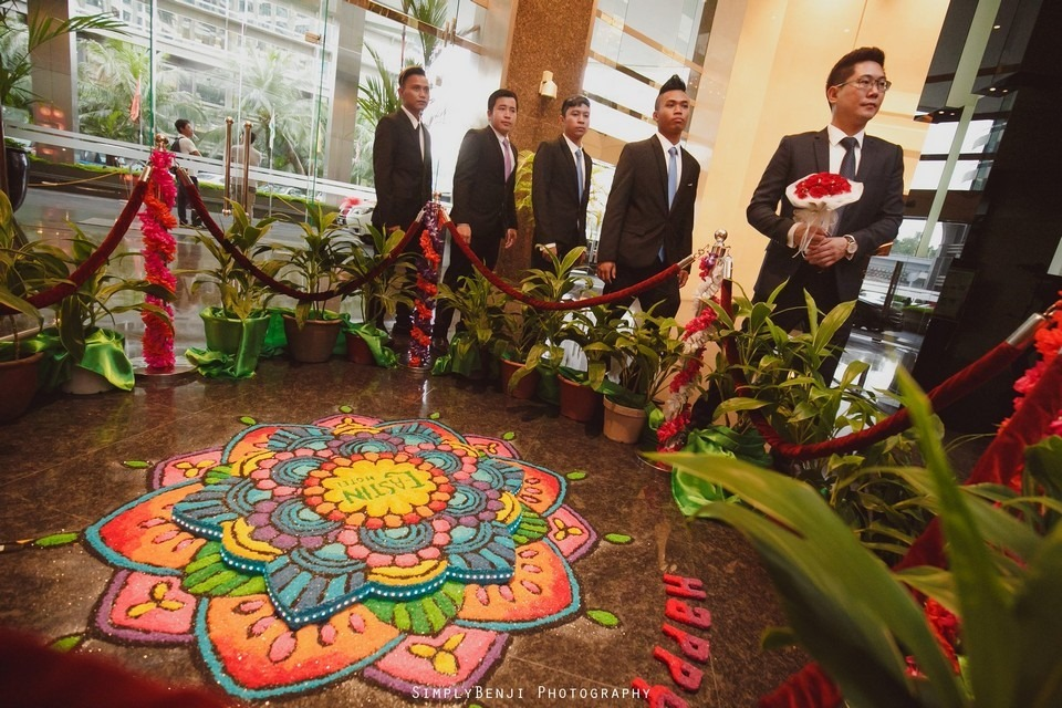 Gate Crashing Eastin Hotel ROM Kechara House Petalling Jaya Viva Home Kechara Restaurant_KL Malaysia Wedding Photographer_20171004091156_013920171004091156_013920171004091156_0139