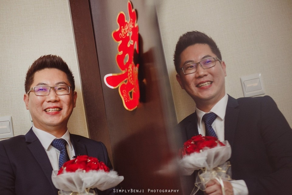 Gate Crashing Eastin Hotel ROM Kechara House Petalling Jaya Viva Home Kechara Restaurant_KL Malaysia Wedding Photographer_20171004094237_025420171004094237_025420171004094237_0254