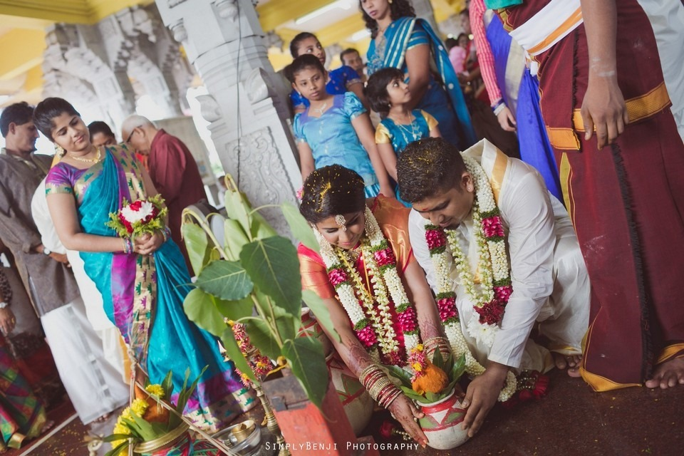 Tamil Hindu Wedding Ceremony at Railway Maha Ganapathy Temple and Reception at Adonis Bridal Ipoh_KL Photographer_200